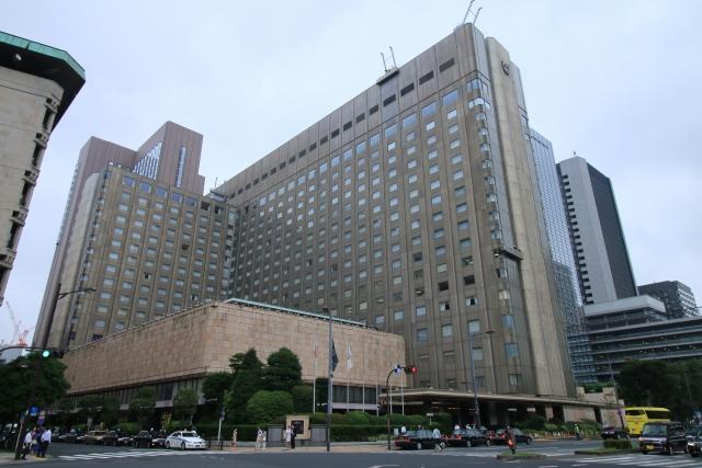 元農水省事務次官熊沢被告が妻と宿泊しているホテルはどこ?